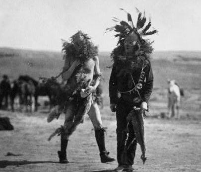 navajos culture Navajo traditions 1)  the medicine man plays a major part in the navajo culture  navajos have a tradition of running in the morning.